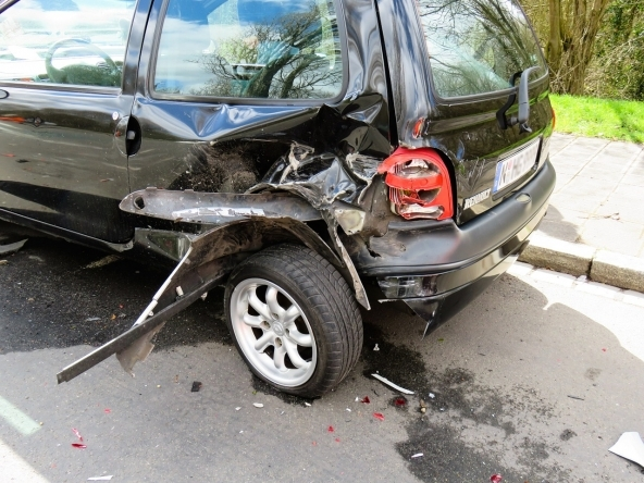 Auto rigata o incidentata