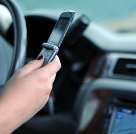 Uso del cellulare alla guida: sanzioni e rischi