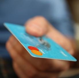 Come pagare con una carta di credito contactless?