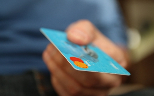 Carta di credito contactless