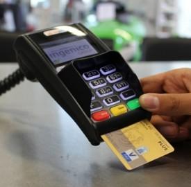 Come usare la PostePay per pagare su internet e nei negozi?