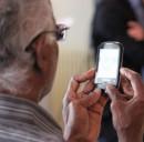 Cellulari per Anziani: 3 modelli semplici, economici e con i tasti grandi